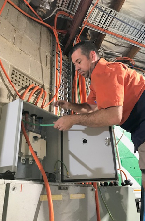 Air Conditioning Installation Adelaide, Commercial Electrician Mitcham, Domestic Electrician Greenwith, Electrical Contractor Greenwith, CCTV Alarm Installation Normanville
